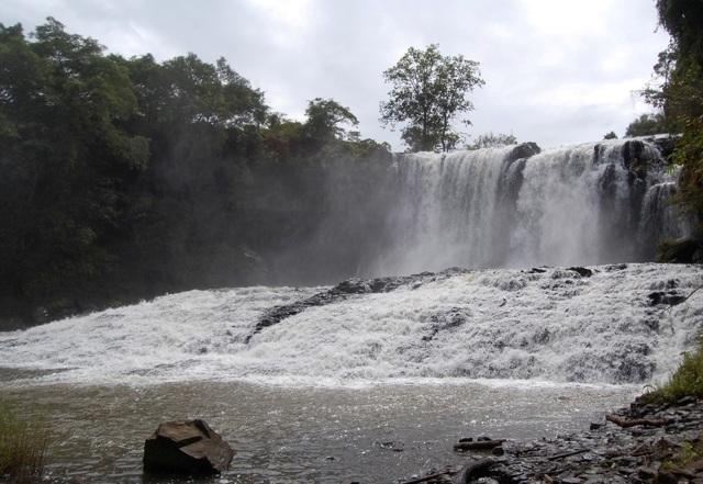 Chrey Thom Waterfall, Rattanakiri Attractions